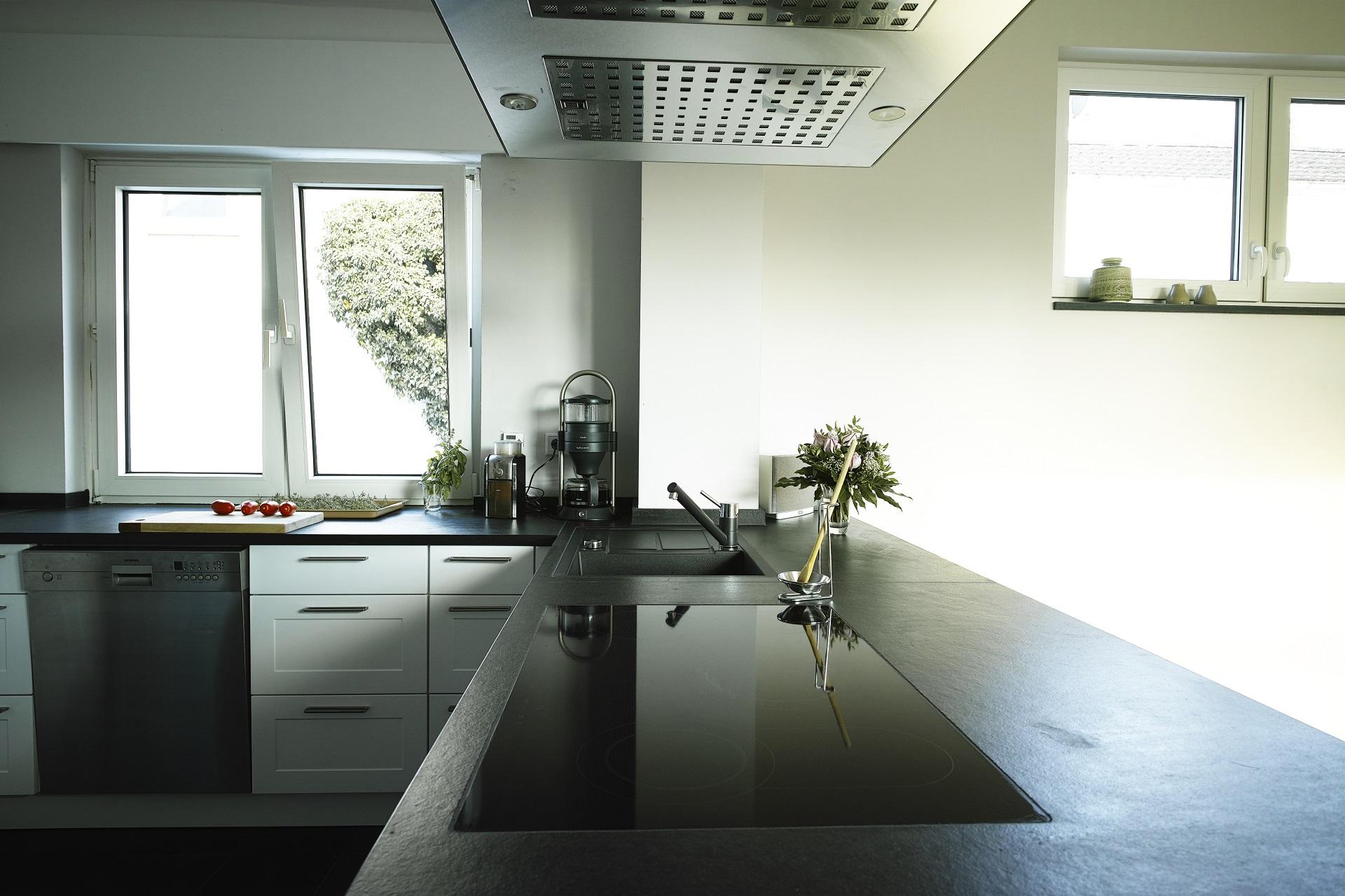 SCHIEFER  Küchenarbeitsplatte aus Schiefer  Schiefer-Arbeitsplatte